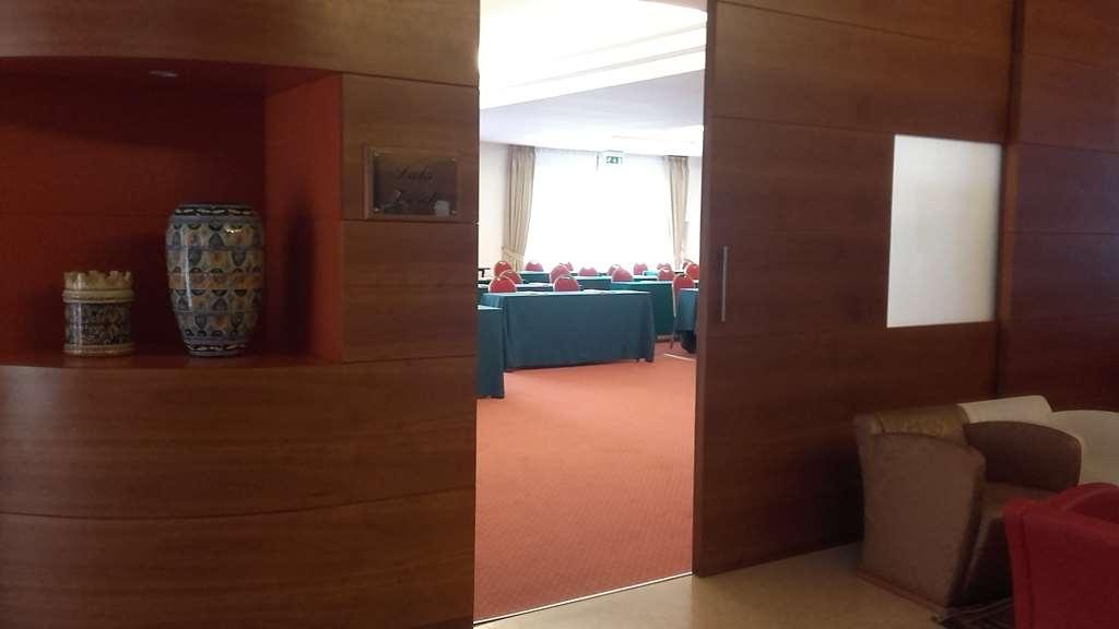Best Western Hotel Cavalieri Della Corona - Meeting Room Verdi