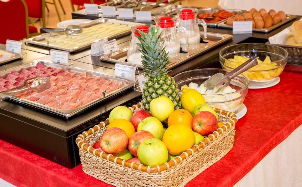 Best Western Hotel Cavalieri Della Corona - buffet