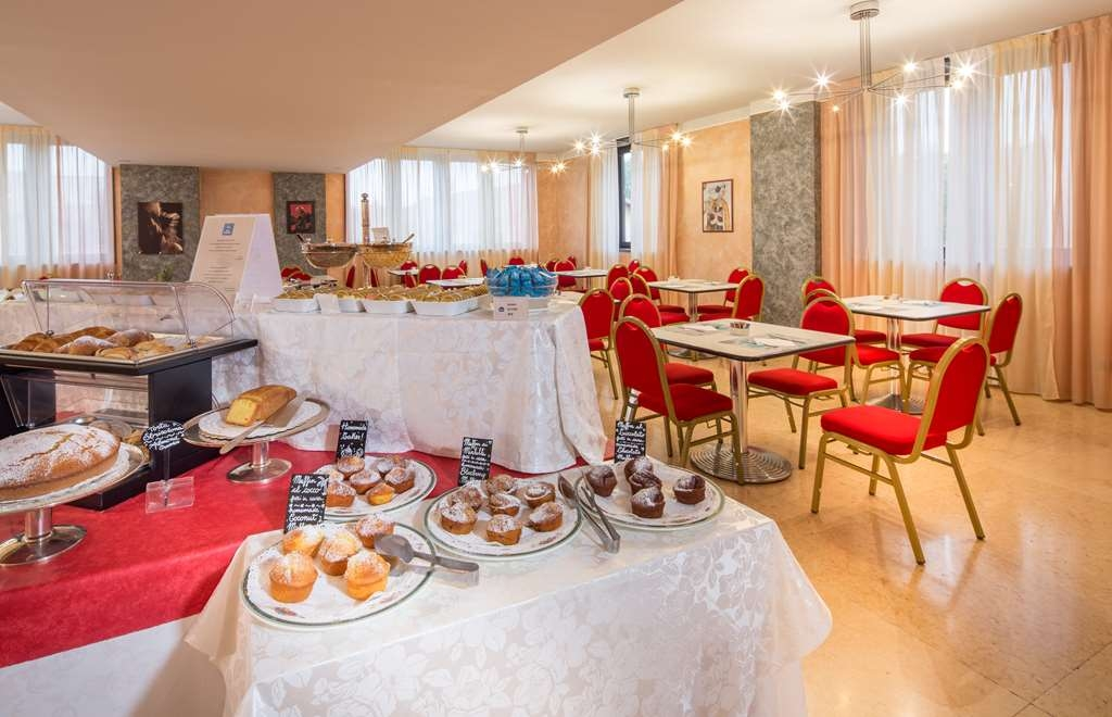 Best Western Hotel Cavalieri Della Corona - Breakfast Room