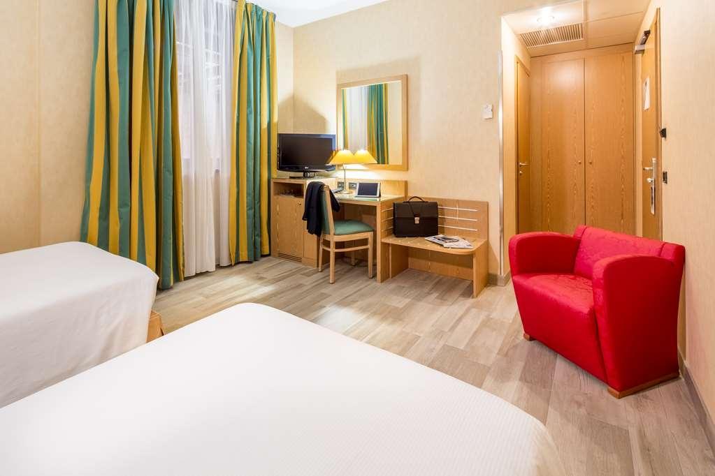 Best Western Hotel Cavalieri Della Corona - TWIN COMFORT ROOM JUST RENOVATED WITH NEW FLOOR