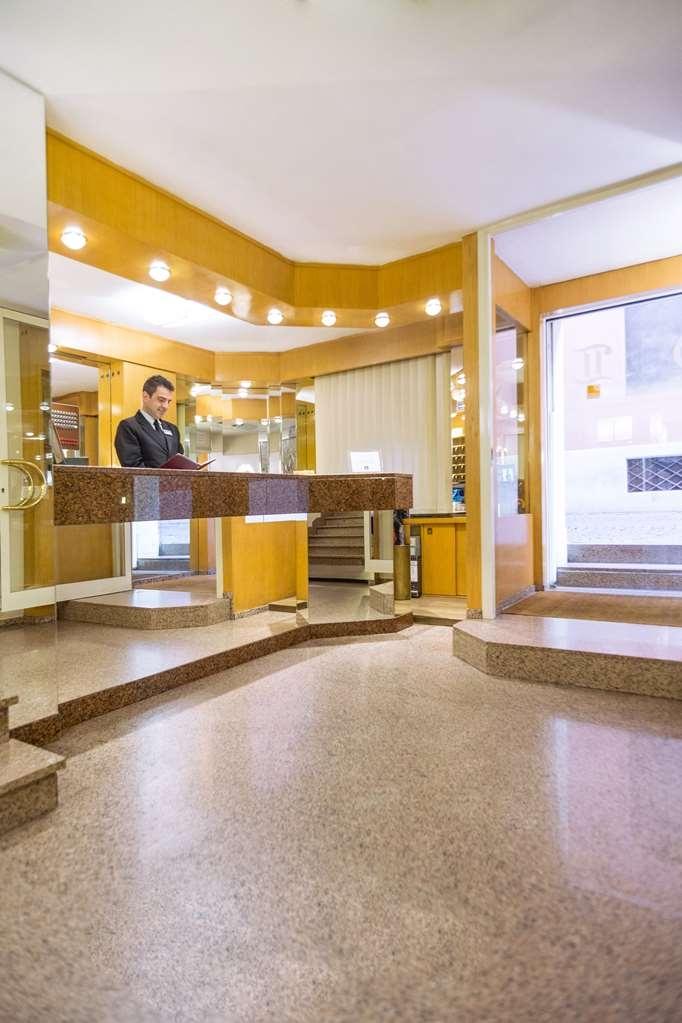 Best Western Hotel Liberta - Reception desk