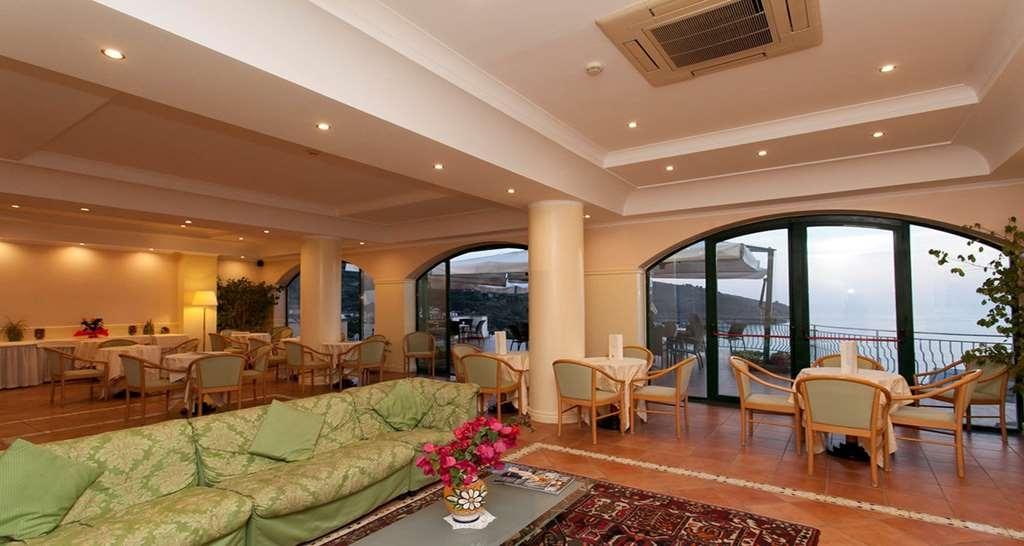 Best Western Hotel La Conchiglia - Vista del vestíbulo