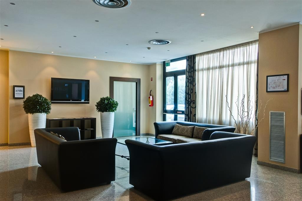 Best Western Hotel Quattrotorri Perugia - Vestíbulo