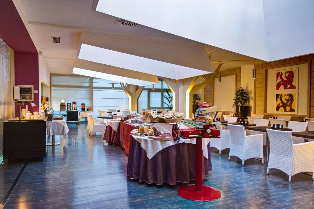 Best Western Hotel Quattrotorri Perugia - Zona de desayunos
