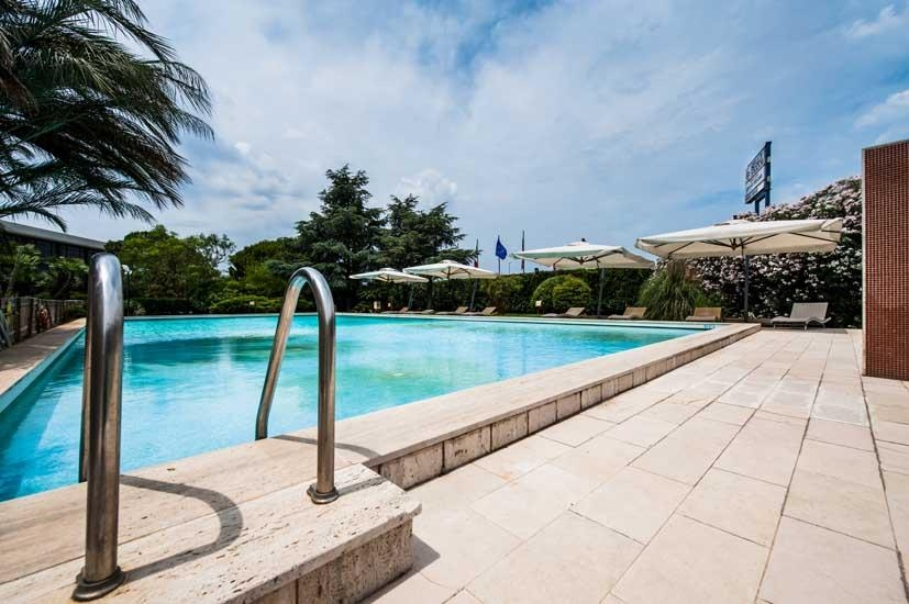 Best Western Hotel HR - Piscina
