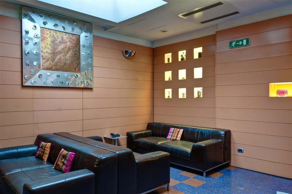 Best Western Hotel Plaza - Vista del vestíbulo