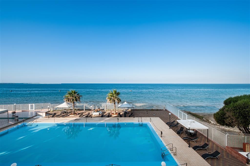 Best Western Hotel Ara Solis - Pool view