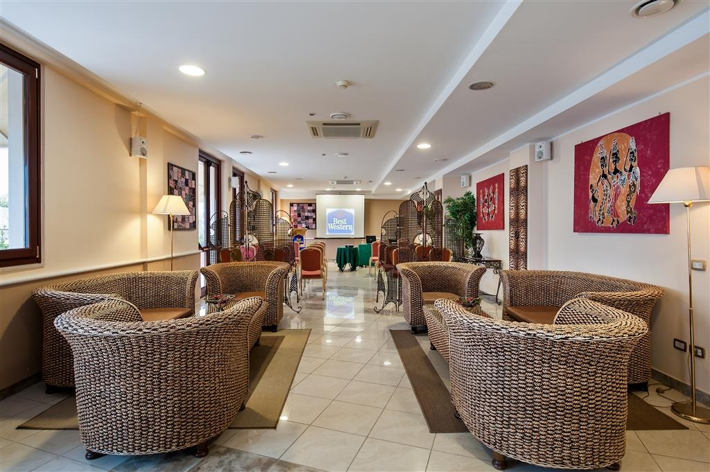 Best Western Hotel Ara Solis - Lobby view