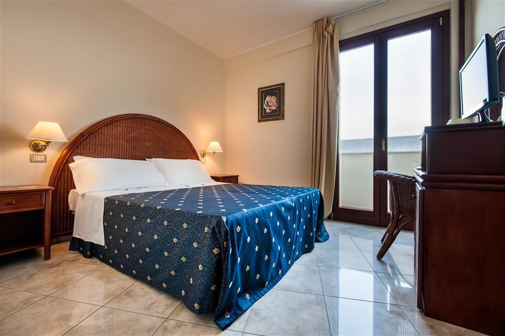 Best Western Hotel Ara Solis - Guest room