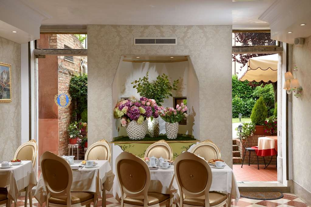 Hotel Olimpia Venice, Signature Collection - Breakfast Area