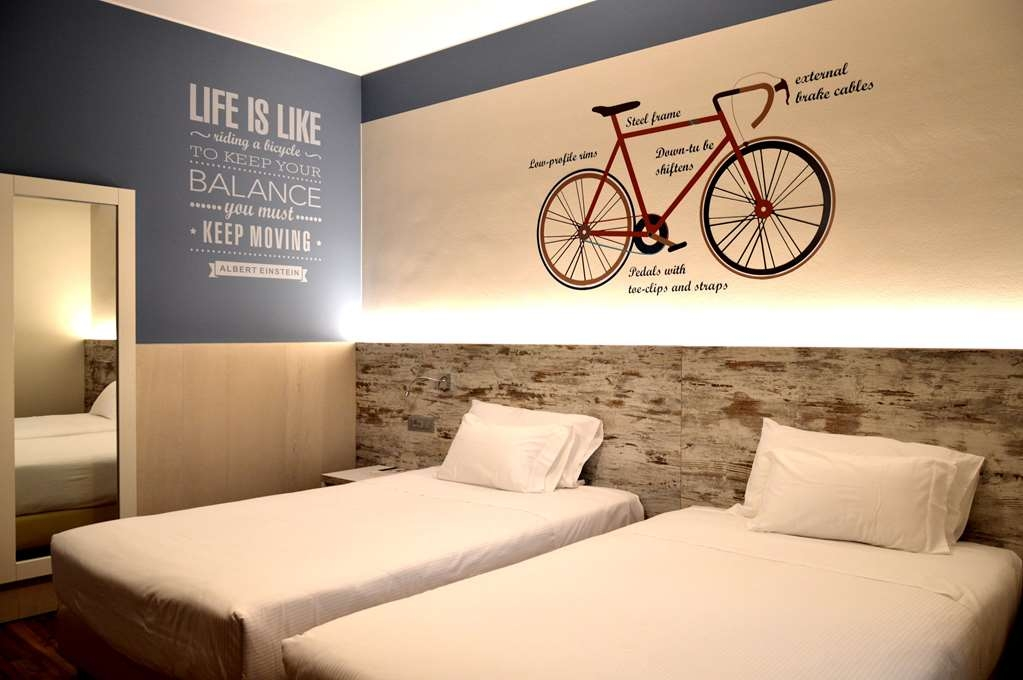 Best Western Soave Hotel - Camera LIFE, twin bed,sm from 17 to 27, no smoking, soundproof, wifi, Tv 49 inches.