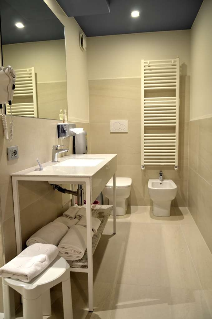 Best Western Soave Hotel - Bathroom life room