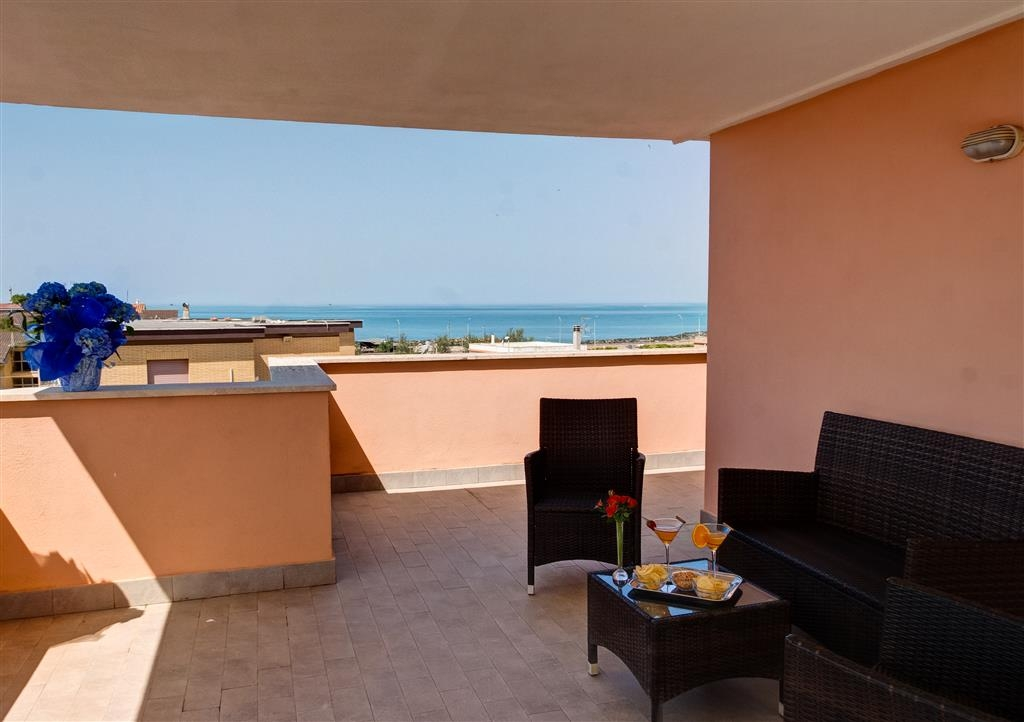 Hotel Riviera, Sure Hotel Collection by Best Western - Terraza