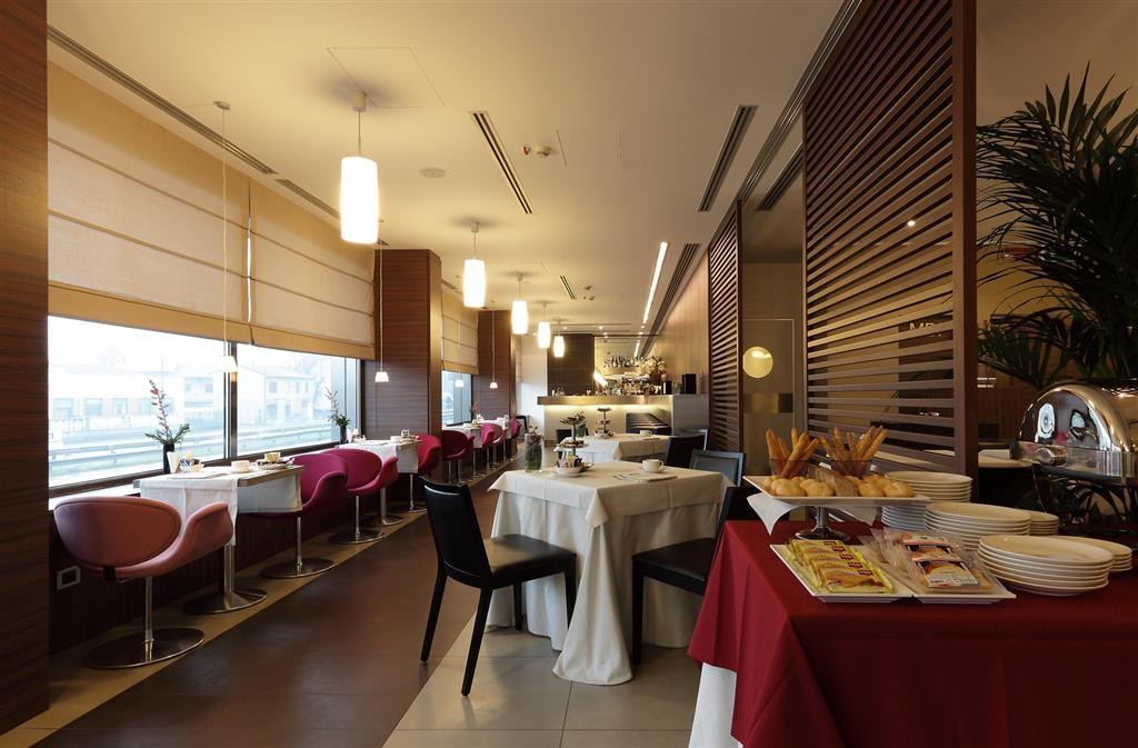 Best Western Plus Hotel Monza e Brianza Palace - Frühstücksbereich