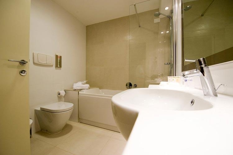 Best Western Plus Hotel Monza e Brianza Palace - Guest Bathroom