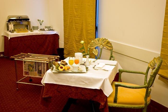 Best Western Park Hotel Continental - Breakfast Room