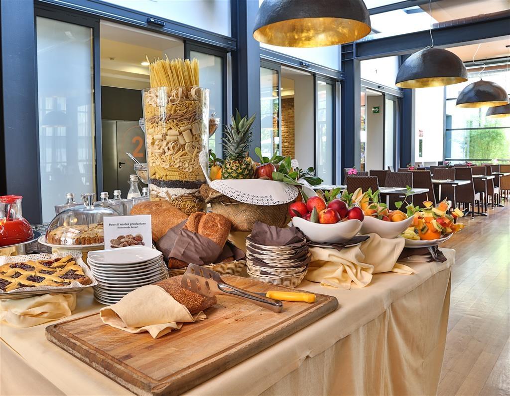 Best Western Falck Village Hotel - Desayuno Buffet