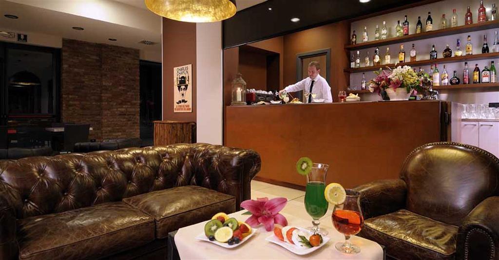 Best Western Falck Village Hotel - Bar / Lounge