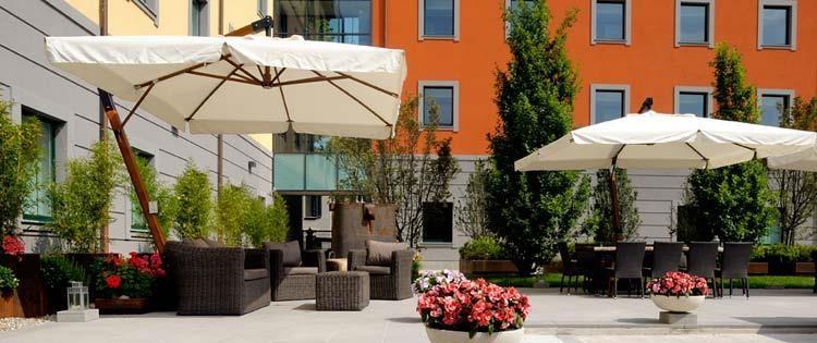 Best Western Falck Village Hotel - Area salotto esterna