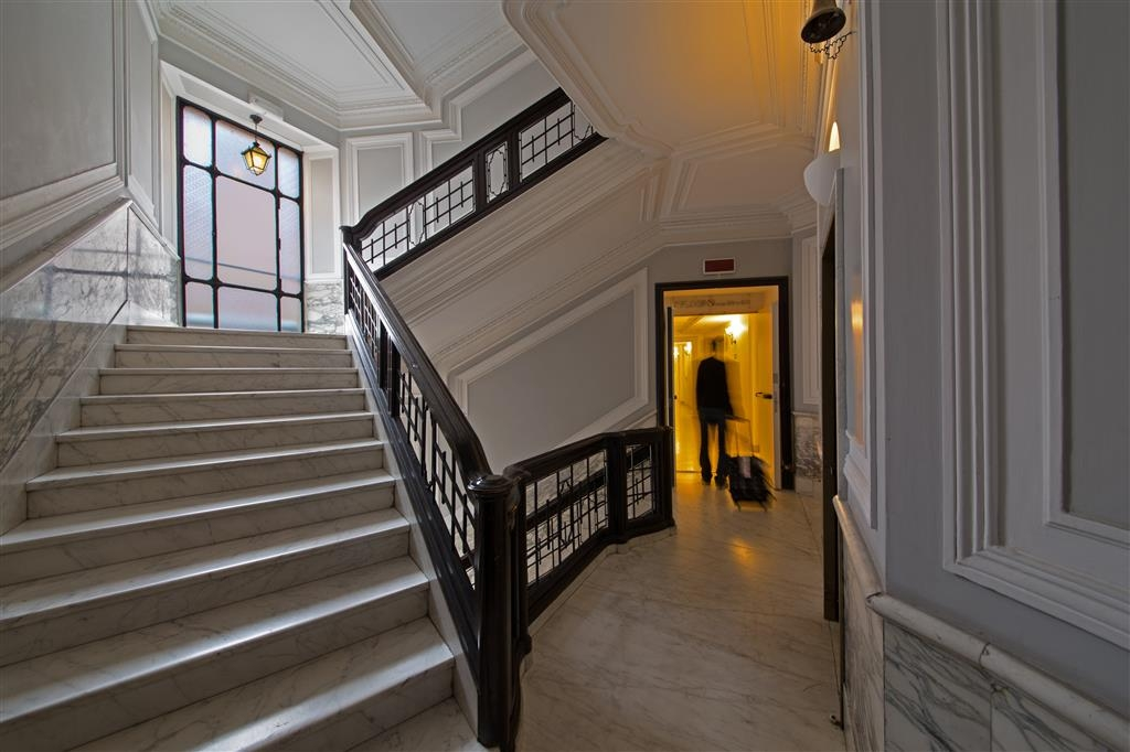 Best Western Hotel Astrid - Staircase