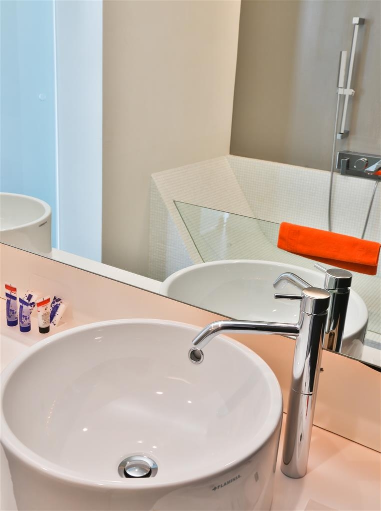 Best Western Hotel Parco Paglia - Guest Bathroom