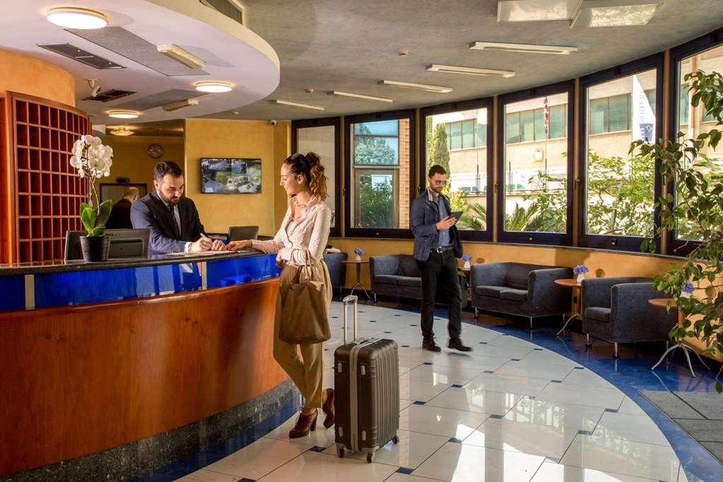 Best Western Blu Hotel Roma - Rezeption