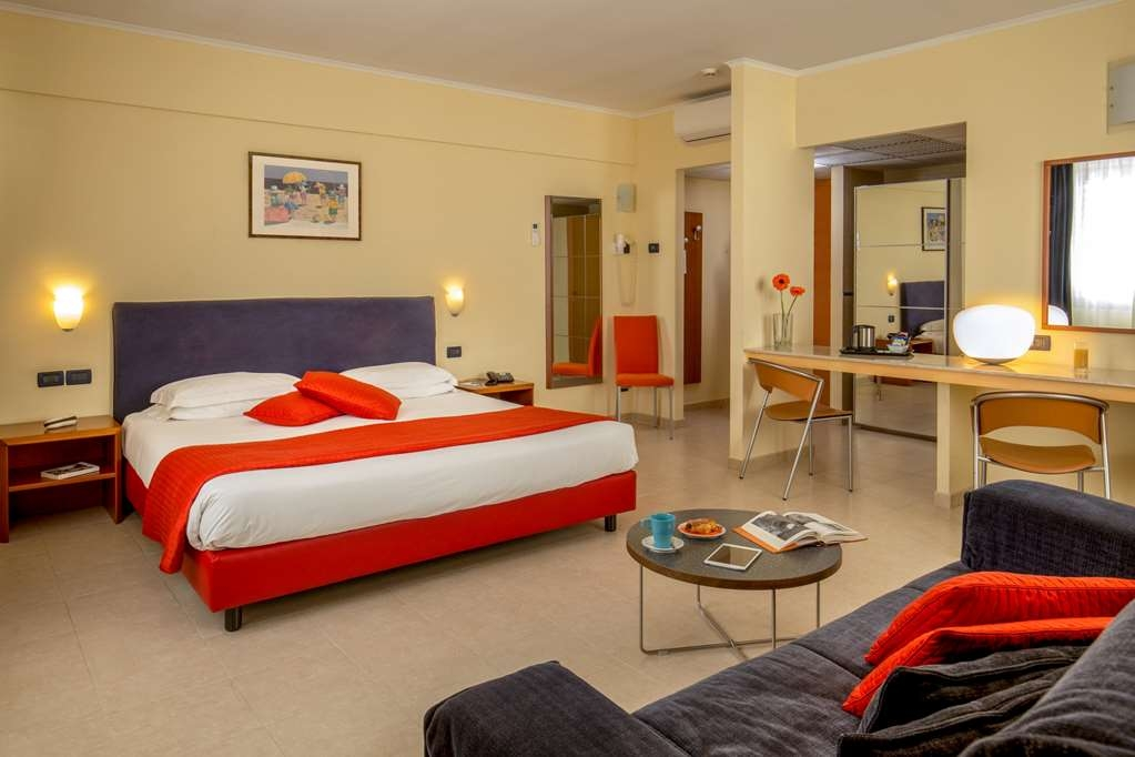 Best Western Blu Hotel Roma - King Junior Suite with Sofa Bed Best Western Blu Hotel Roma