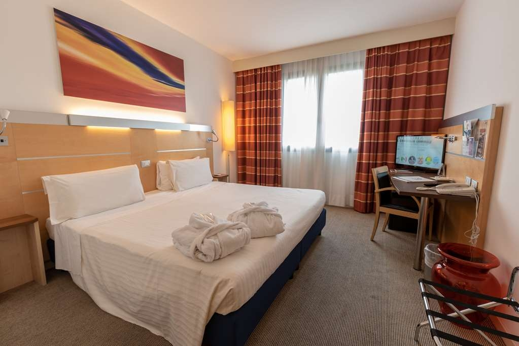 Best Western Palace Inn Hotel - Double Comfort room