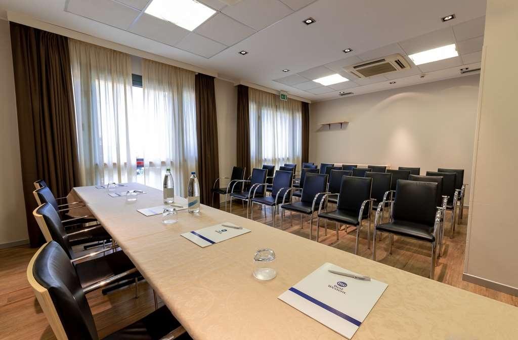 Best Western Palace Inn Hotel - Meeting room