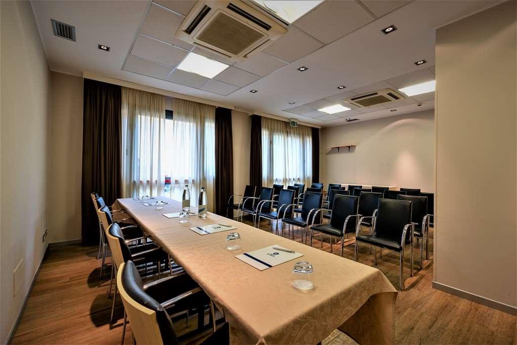 Best Western Palace Inn Hotel - Sala de reuniones