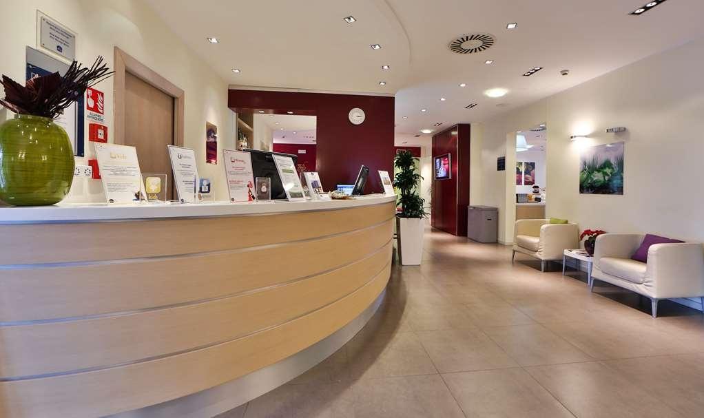 Best Western Palace Inn Hotel - Reception