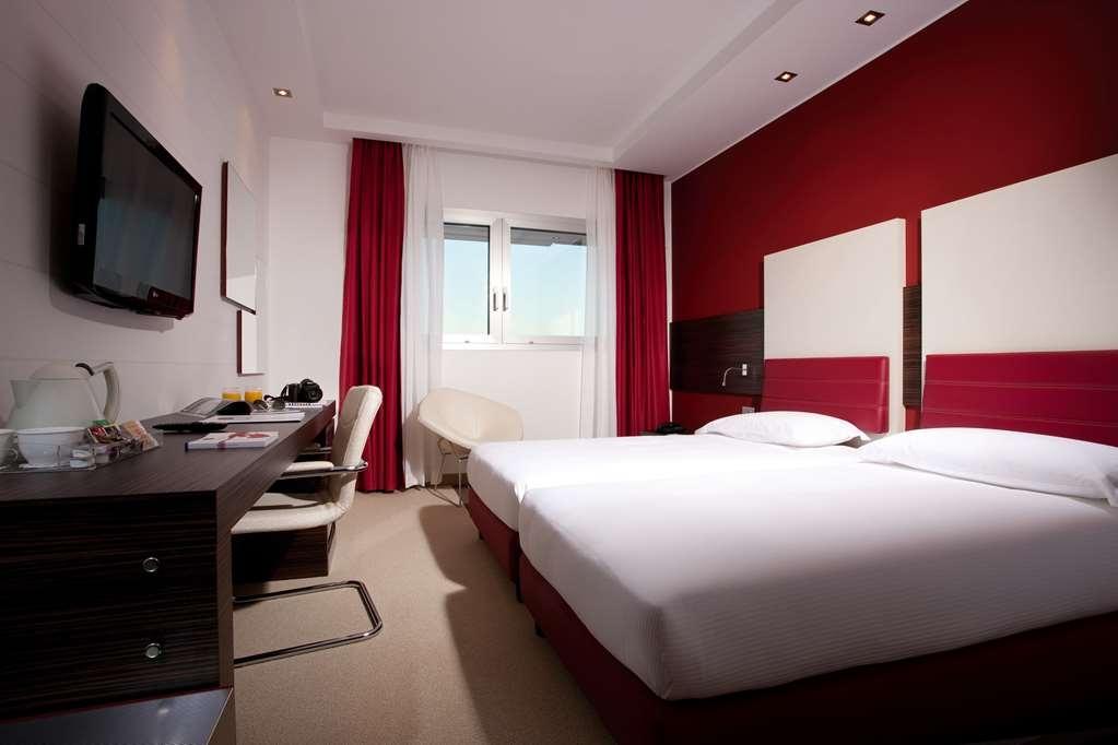 Best Western Plus Quid Hotel Venice Airport - 2 Single Beds Standard Room