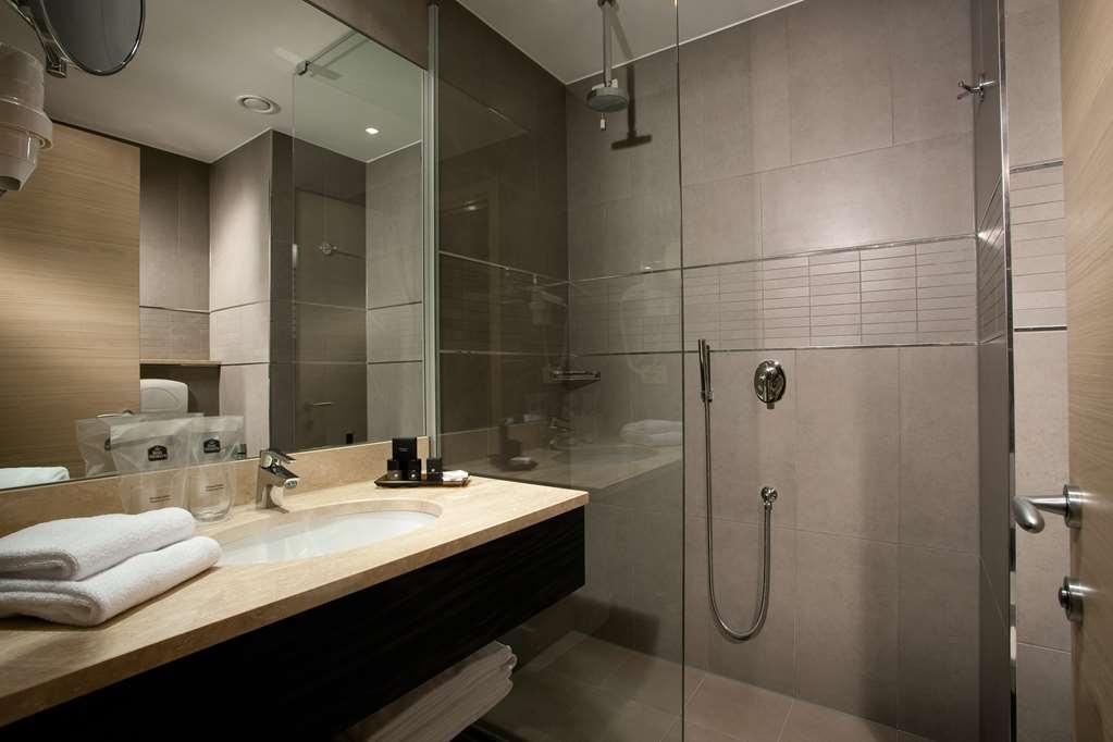 Best Western Plus Quid Hotel Venice Airport - Guest Bathroom