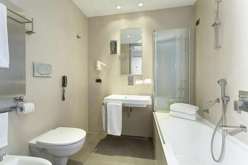 Best Western Premier Hotel Royal Santina - Guest Bathroom