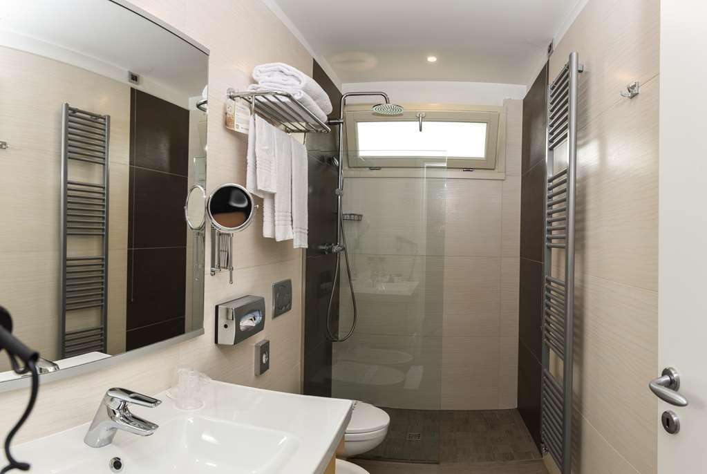 Best Western Plus Hotel Modena Resort - Bathroom