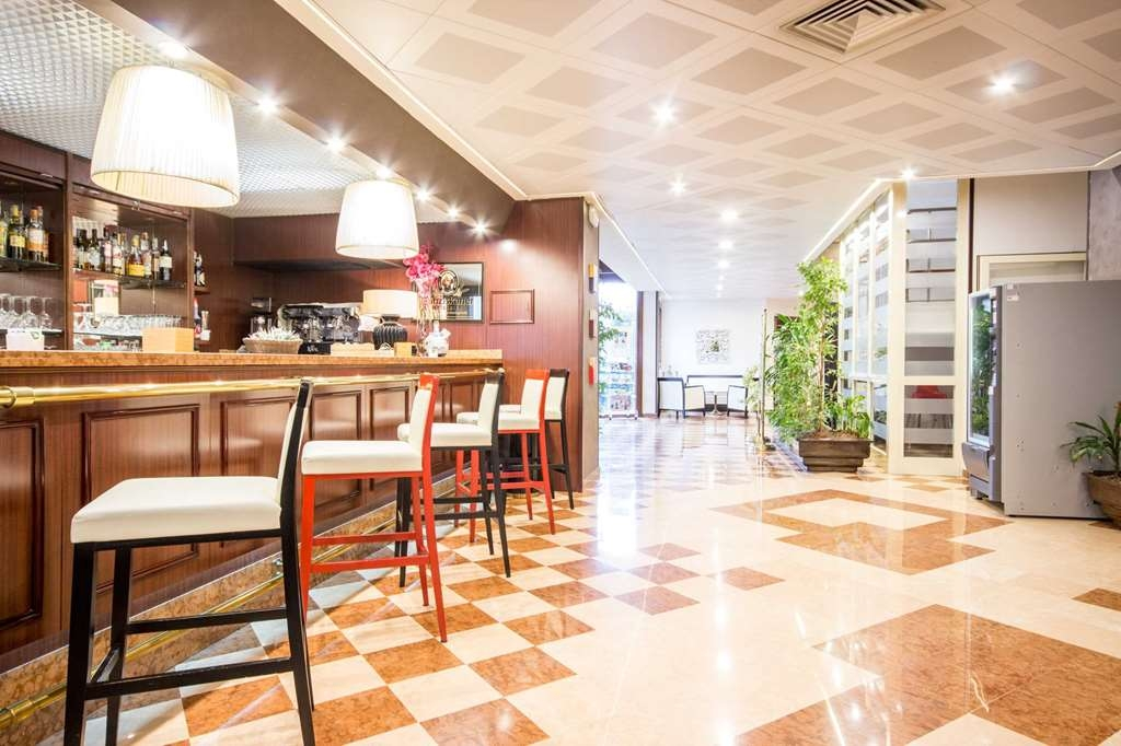 Best Western Hotel Modena District - Bar / Lounge