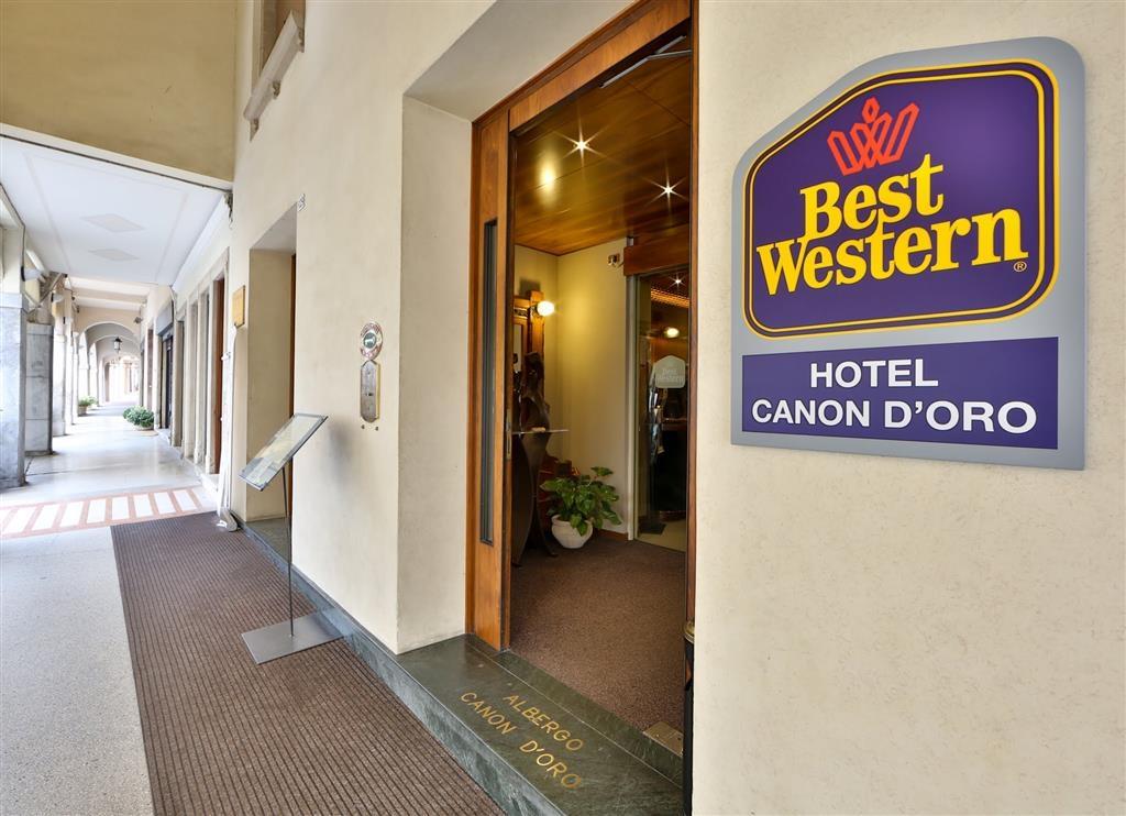 Best Western Hotel Canon D'Oro - Hotel main door