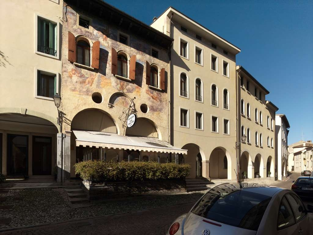 Best Western Hotel Canon D'Oro - Hotel Canon d'Oro. View of the hotel street in Conegliano city centre