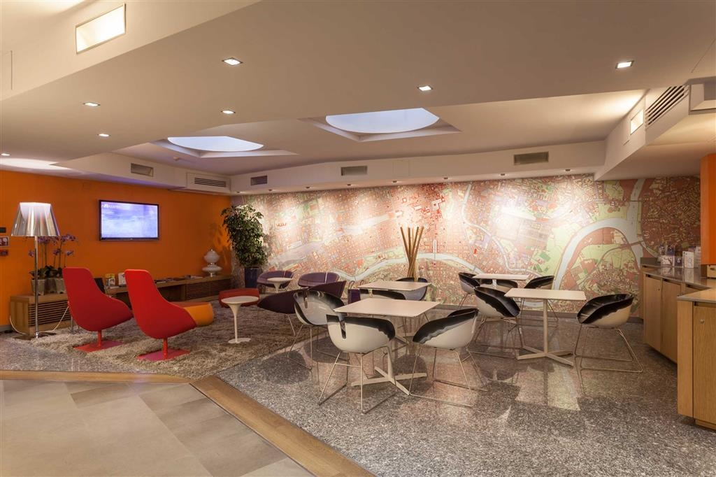 Best Western Plus Executive Hotel and Suites - Hotel Lobby