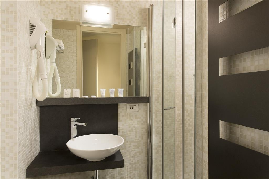 Best Western Hotel Continental - Guest Bathroom