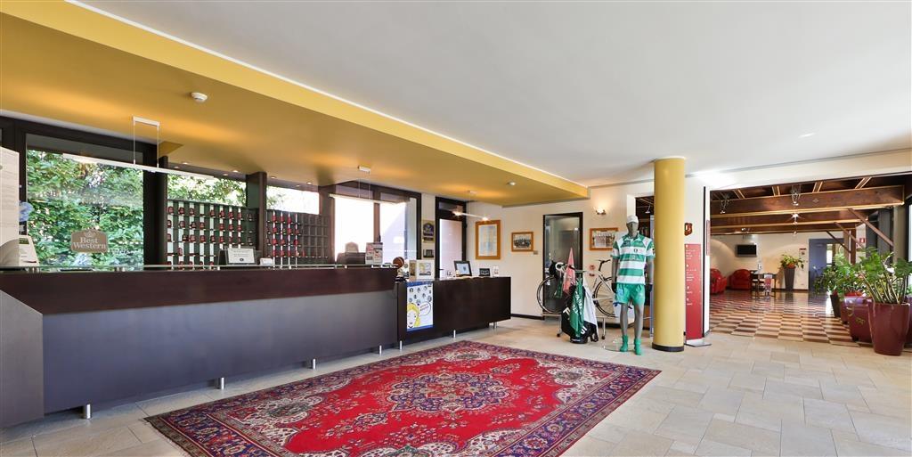 Best Western Titian Inn Hotel Treviso - Reception Desk