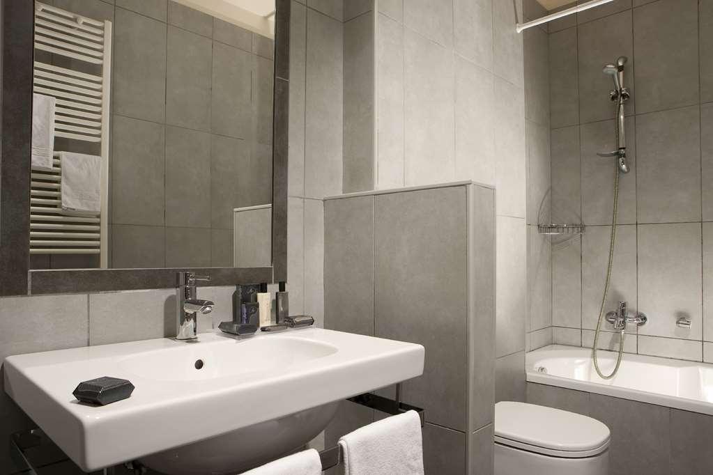 Best Western Titian Inn Hotel Treviso - Guest Bathroom