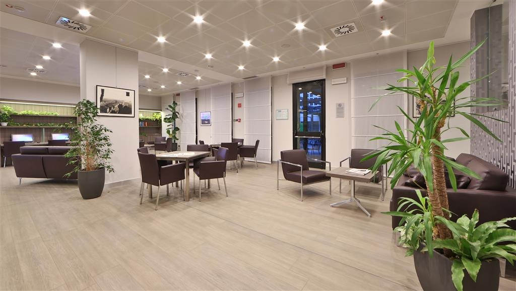 Best Western Plus BorgoLecco Hotel - Hall