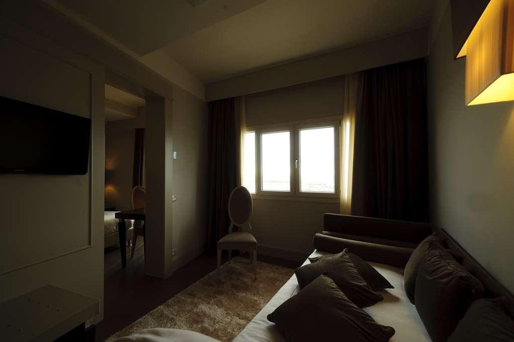 Best Western Plus Hotel Perla del Porto - Gästezimmer/ Unterkünfte