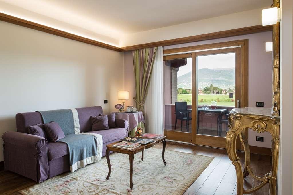 Valle di Assisi, BW Premier Collection - Suite Family soggiorno