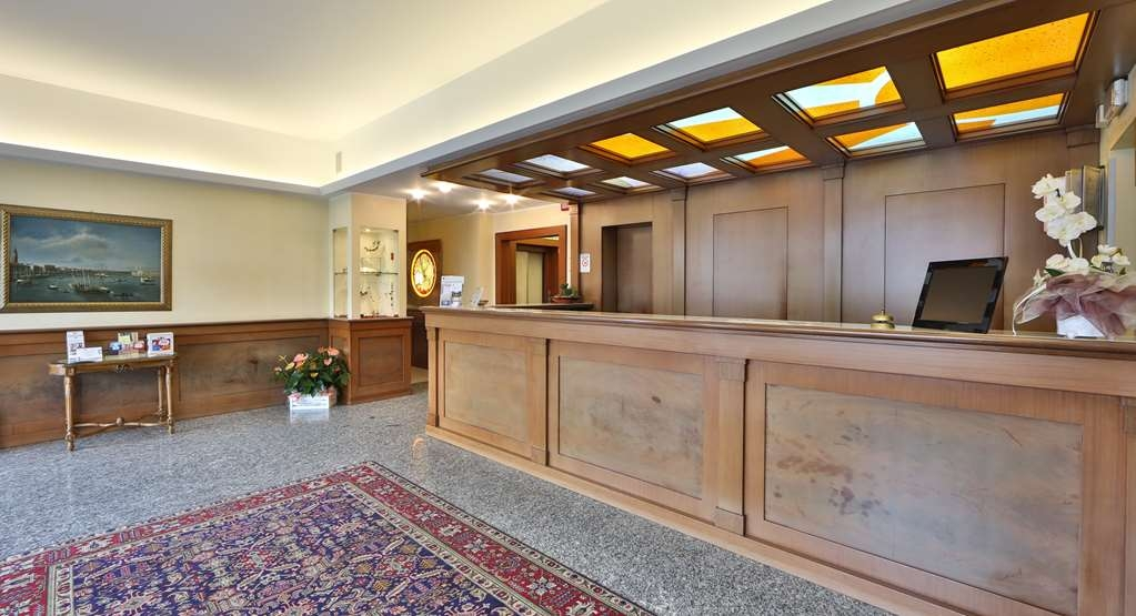 Best Western Titian Inn Hotel Venice Airport - Reception