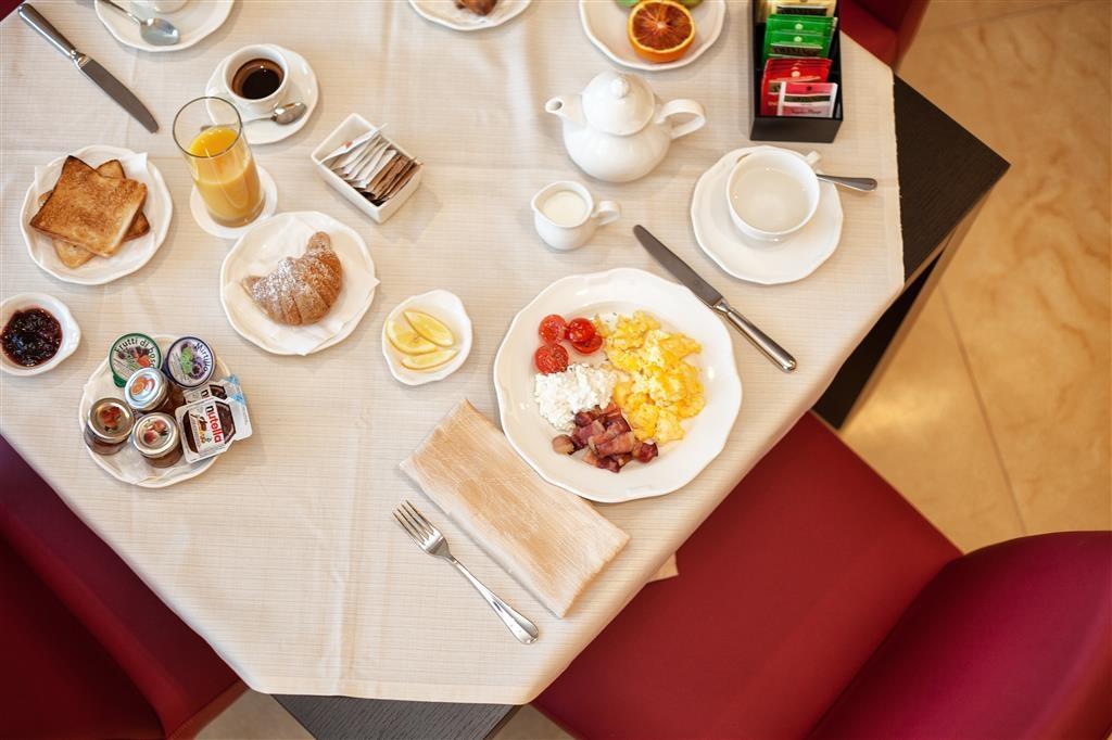 Best Western Plus Leone di Messapia Hotel & Conference - Frühstücksbereich