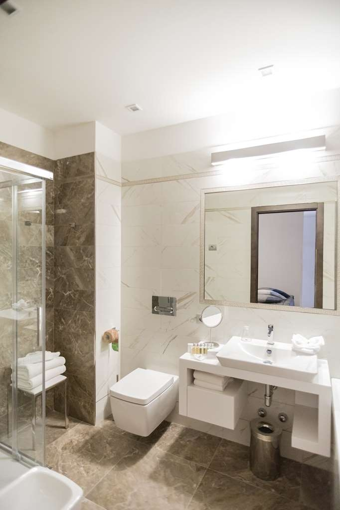 Best Western Premier Milano Palace Hotel - Guest Room Bathroom