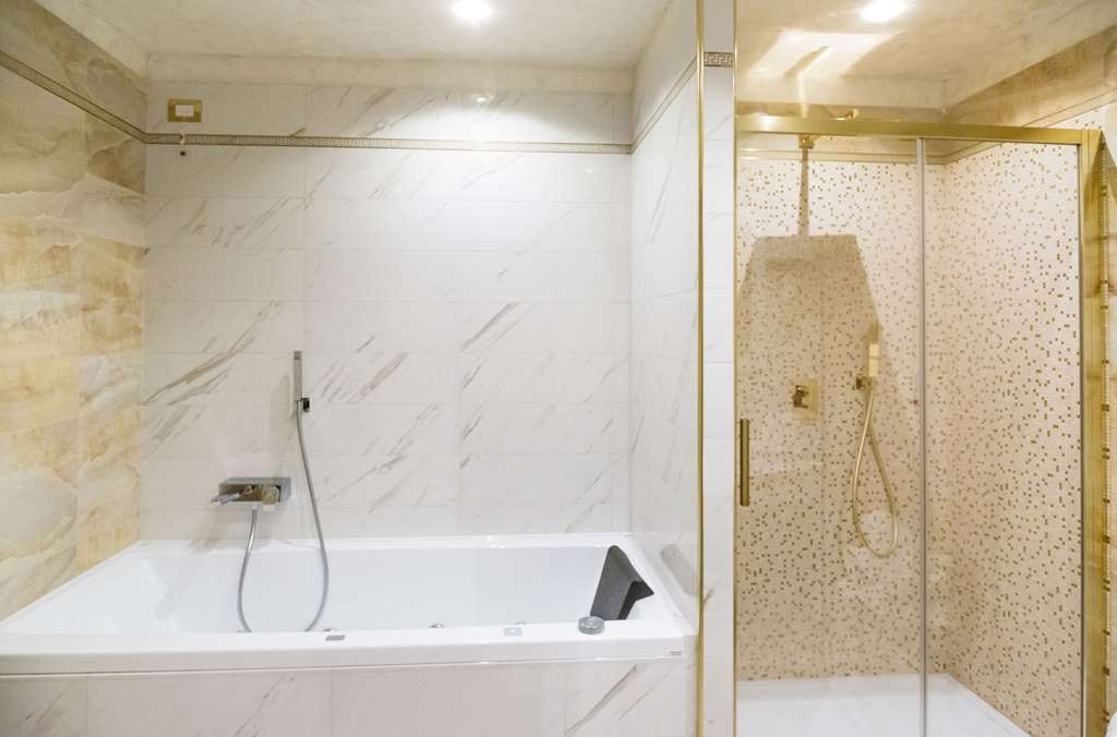 Best Western Premier Milano Palace Hotel - Junior Suite Bathroom