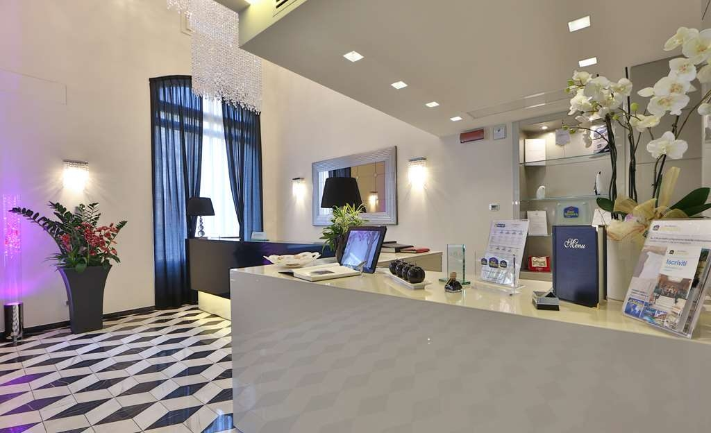 Best Western Premier Milano Palace Hotel - Reception desk